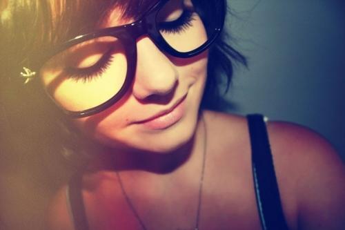 经典欧美眼镜女生图片