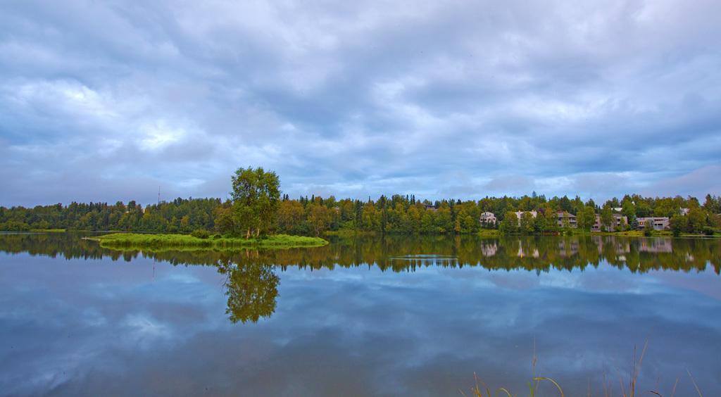 超美的户外湖泊摄影图